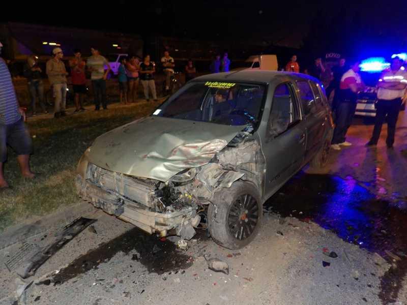 Un camión y un auto protagonizaron un accidente en Puerto San Martín