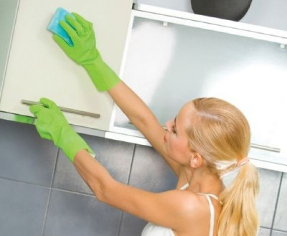 Repasadores y esponjas de cocinas: consejos de la ASSAL para evitar la contaminación de alimentos