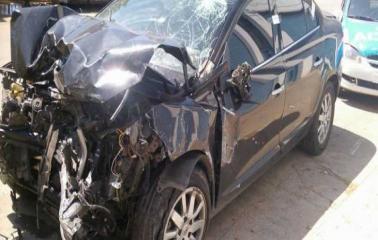 Un hombre internado de gravedad tras ser embestido por un ladrón en un auto robado