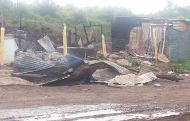 Pérdidas totales en una vivienda tras un feroz incendio
