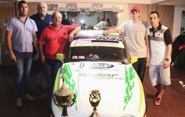 Sosa presentó el auto con el que buscará un nuevo título en la categoría std 1100