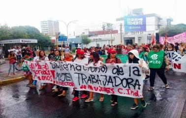 #8M: Mujeres del Cordón Industrial Marcharon en San Lorenzo