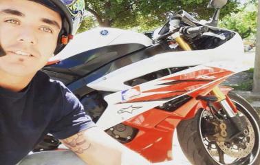 Murió uno de los jóvenes accidentados tras esquivar un carro