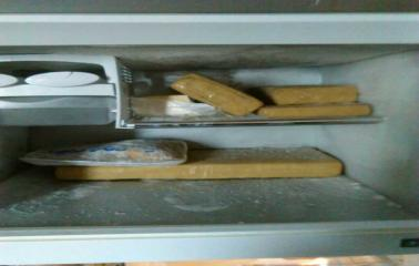 Allanamiento en San Lorenzo: encuentran estupefacientes en la heladera