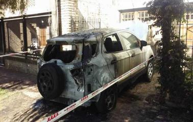 Incendiaron el auto de la dueña de FM Horizonte