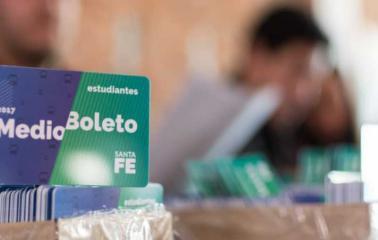 LA PROVINCIA ENTREGÓ 20 MIL CREDENCIALES DE MEDIO BOLETO EN ROSARIO