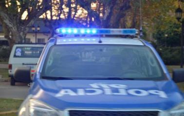 Granadero Baigorria: Les robaron en la puerta de su casa