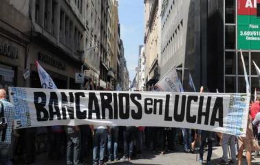 Dos días sin bancos por una protesta gremial