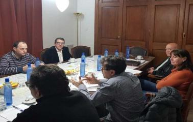 El Ministro de Medio Ambiente se reunió con legisladores