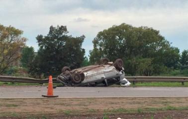 Dos heridos en un triple accidente en Autopista Rosario - Santa Fe