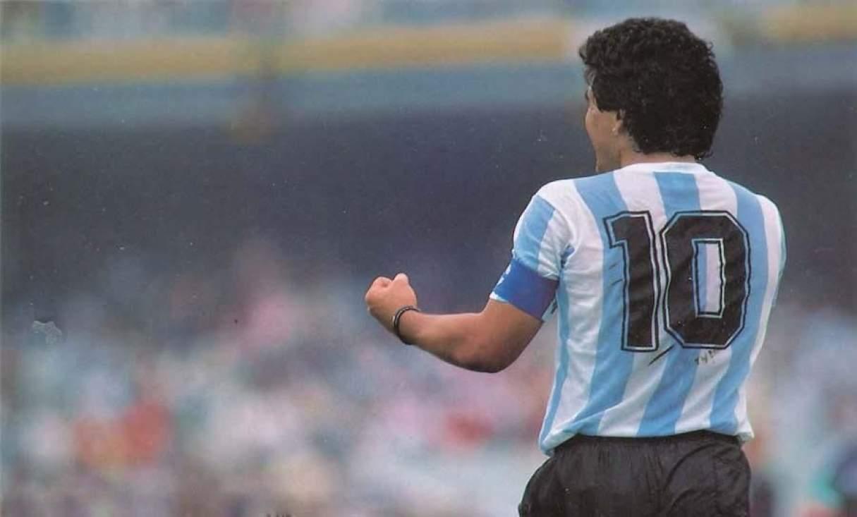 Juntan firmas para retirar la camiseta número 10 de la Selección