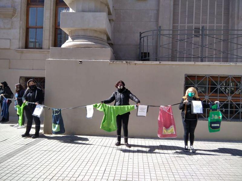 Jardines de la región rodearon la sede de Gobernacion Provincial en Rosario