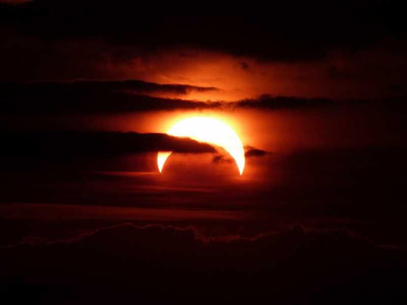 Este domingo se podrá ver un eclipse parcial de Sol en la región