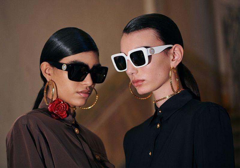 Cynthia Arrebola: la modelo argentina es protagonista de la campaña de Versace 2020