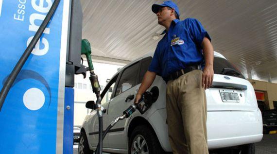 Mañana aumentan los impuestos a los combustibles