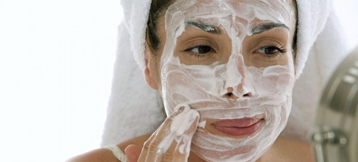 Día del Dermatólogo: Los peligros del skincare casero
