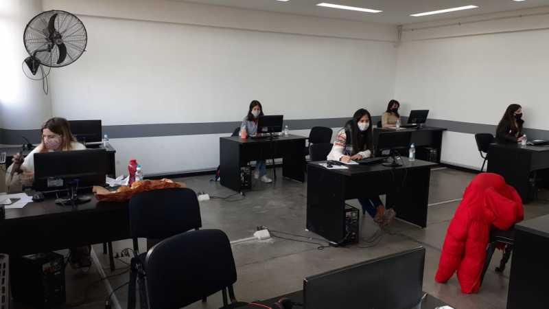 El gobierno convoca a las universidades públicas para tareas comunitarias