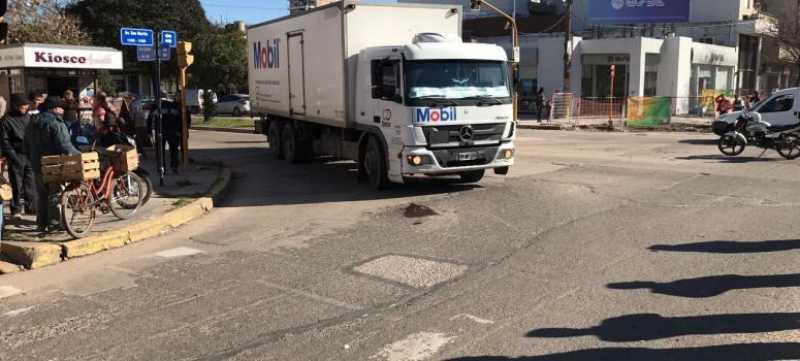 Una mujer fue atropellada por un camión en pleno centro de San Lorenzo