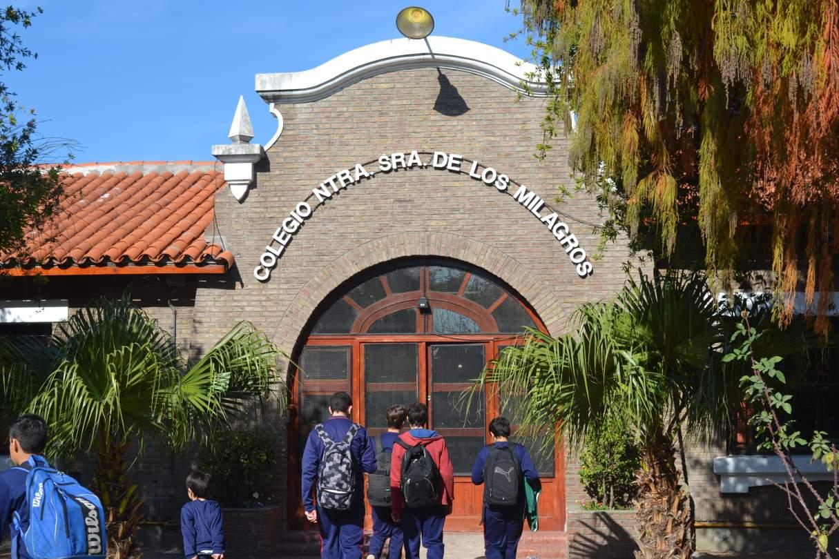 Capitán Bermúdez: Alumnos de quinto año realizan proyectos solidarios