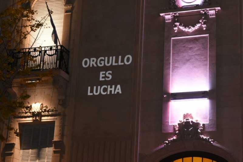 El concejo de Rosario proyectó frases por el día del Orgullo