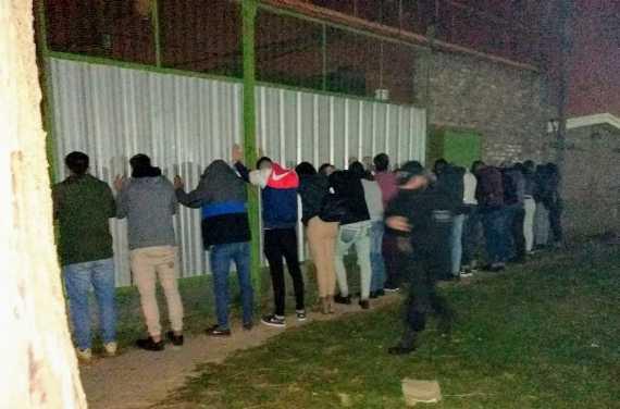 Detuvieron a 45 personas en una fiesta clandestina en Capitán Bermúdez