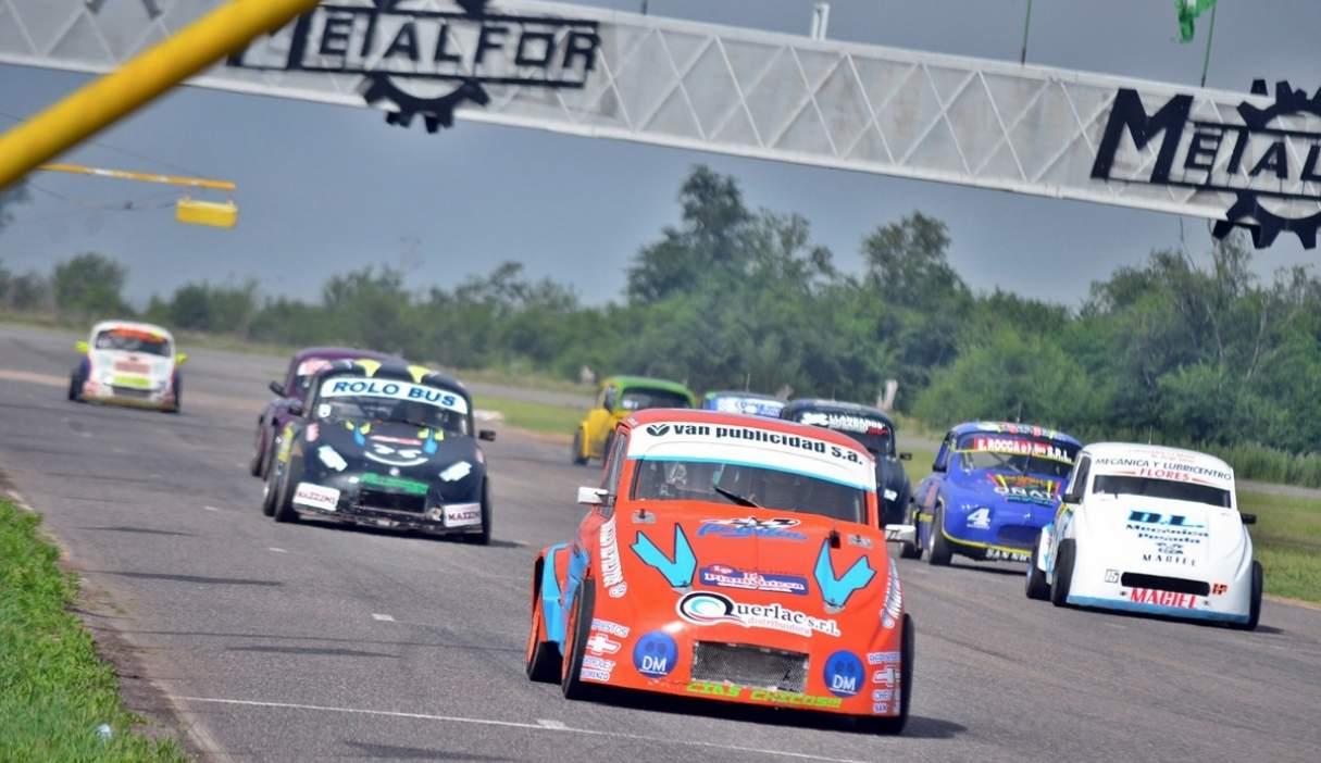 Lucas Bertolín sigue trabajando en pos de mejorar su Fiat 600, y este fin de semana correrá en San Nicolás