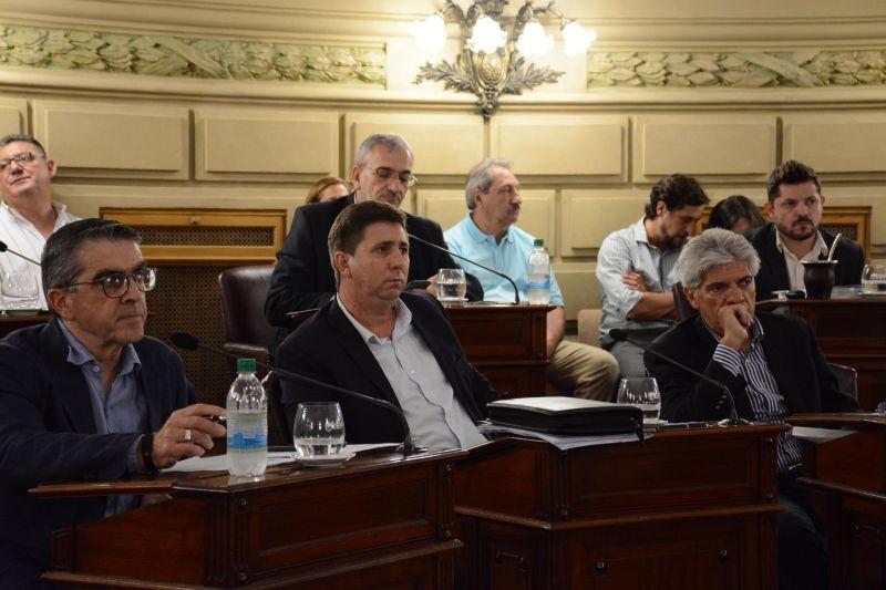 Senadores piden la sanción preventiva para los fiscales sospechados de corrupción