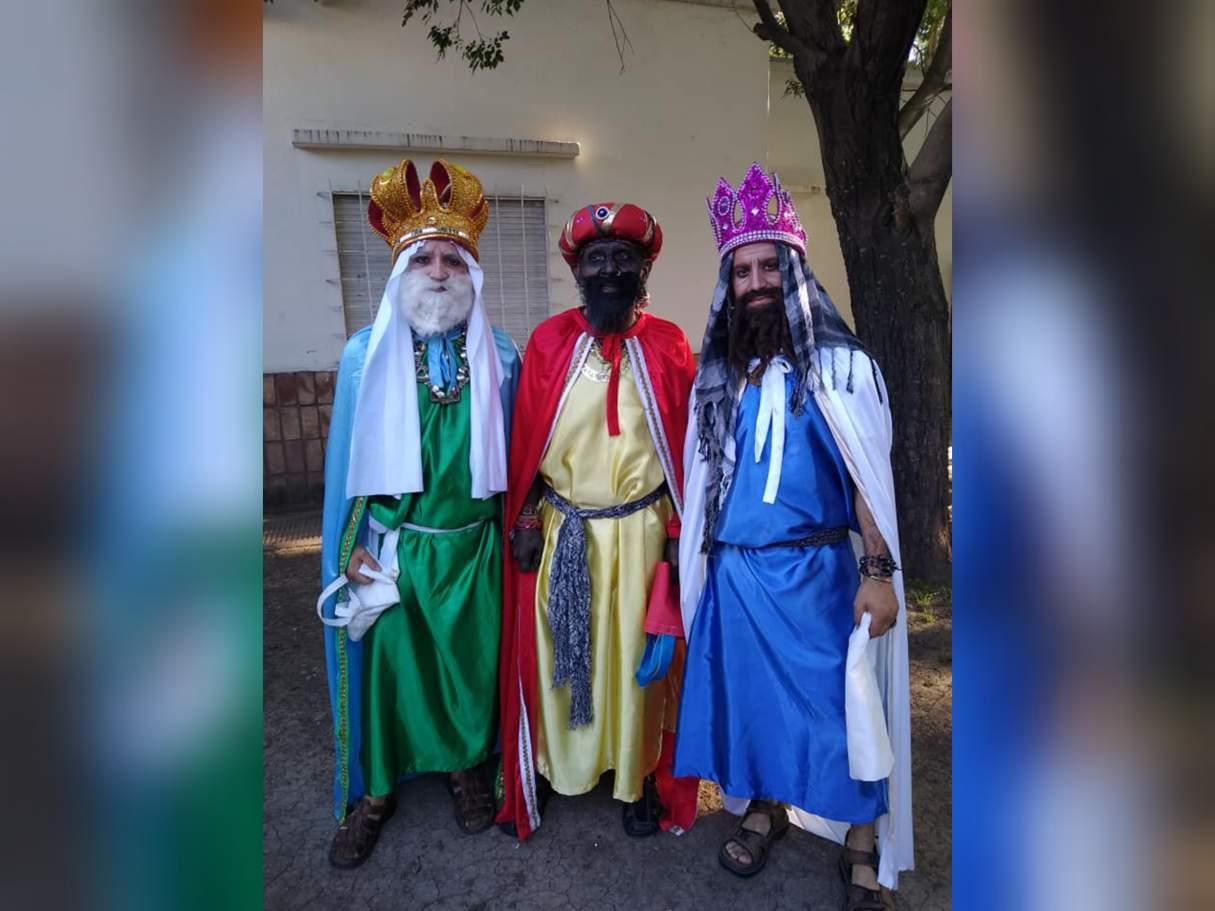 Juntan golosinas para hacer el recorrido de los Reyes Magos por Capitán Bermúdez