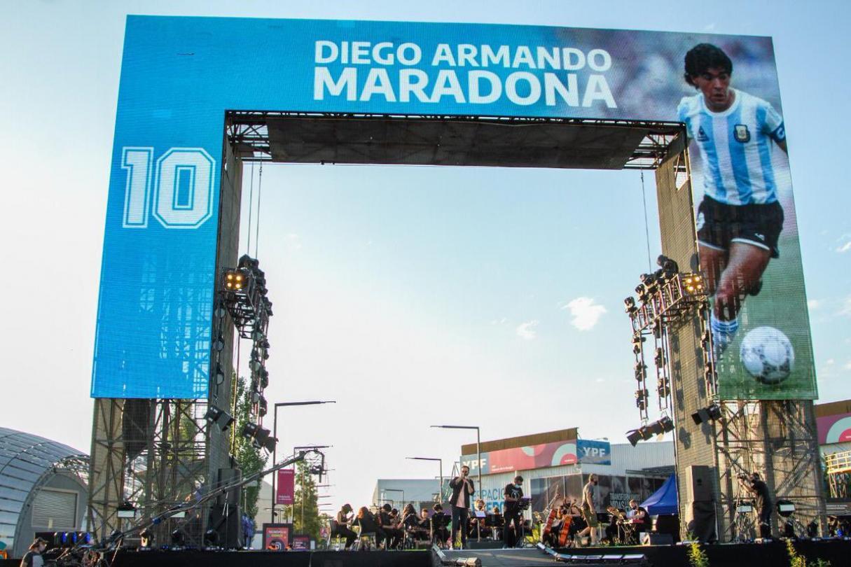 Homenaje musical a Diego Maradona en la TV Pública