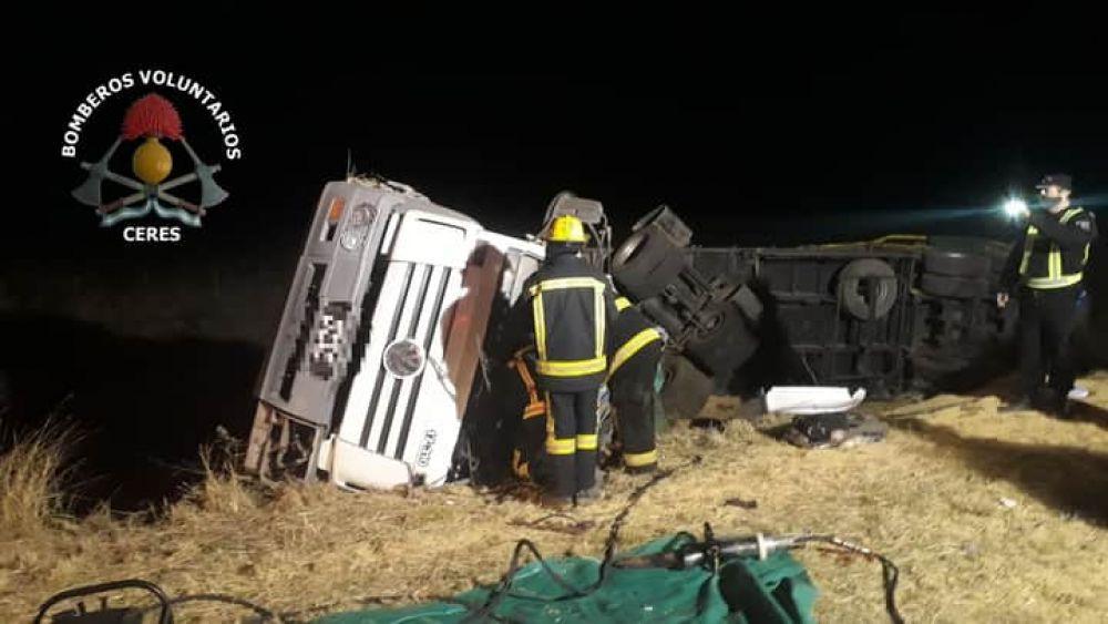 Accidente fatal: murió un camionero del Chaco y otro de Beltrán se salvó de milagro