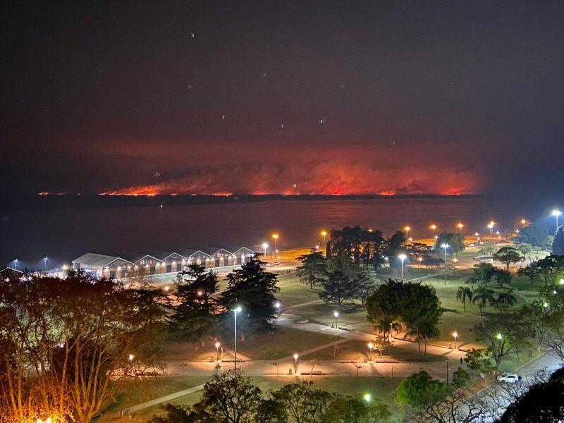 Basta de Humo: estallaron las redes exigiendo que se acaben los incendios en las islas