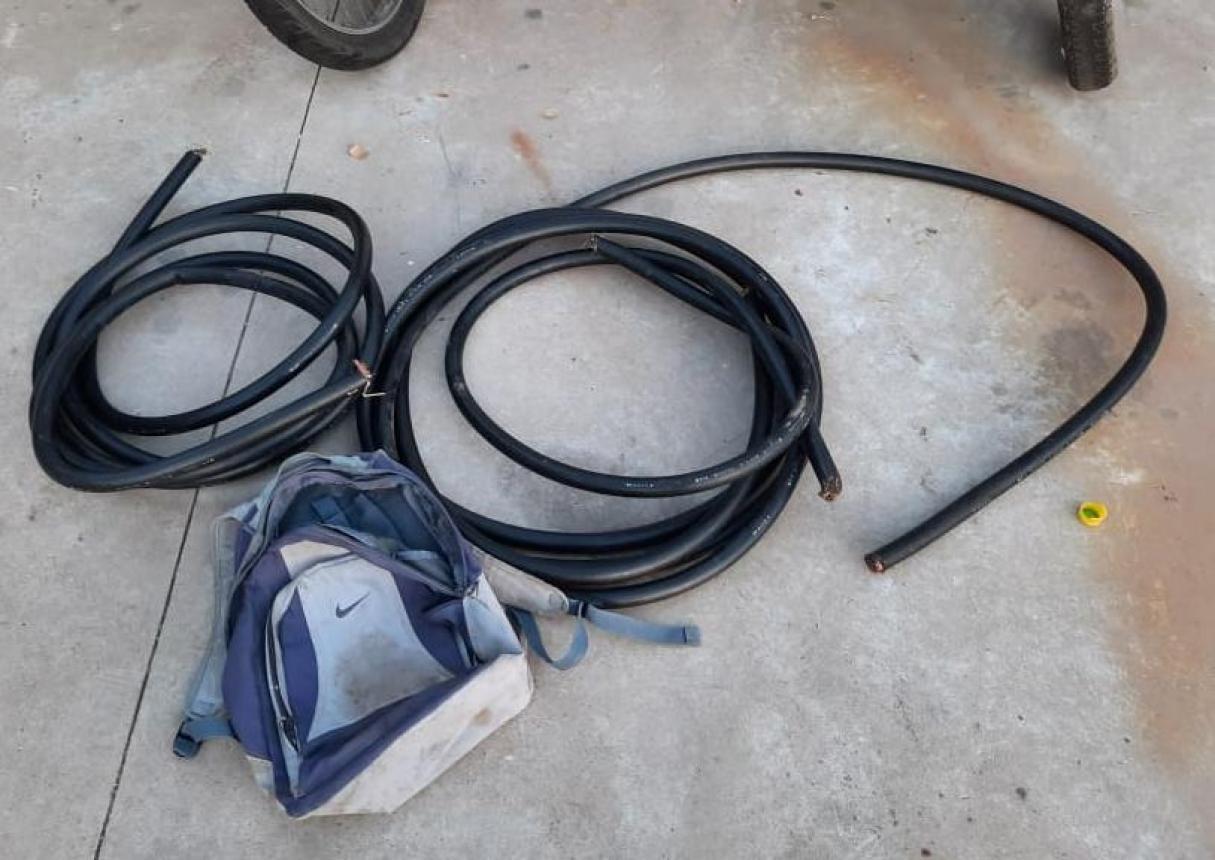 Sanlorencino de 18 años fue detenido en Puerto San Martín cuando robaba cables de télefono