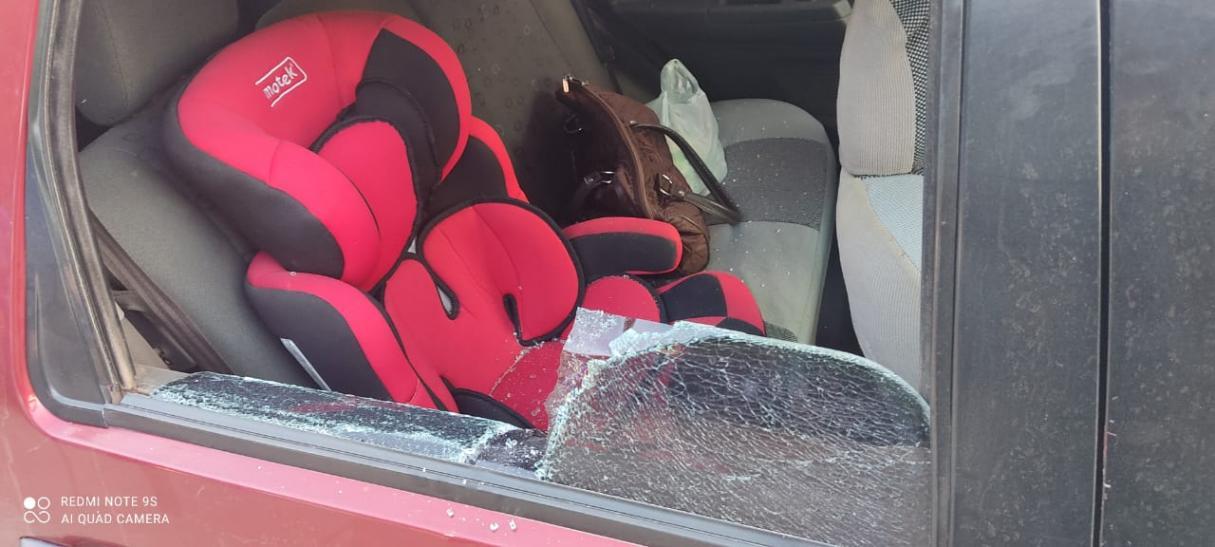 San Lorenzo: Por una deuda, le rompió el auto con un bate de béisbol