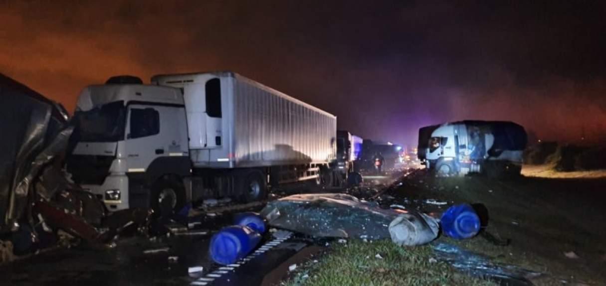 Baradero: multiple accidente con camiones en ruta 9 sentido Rosario