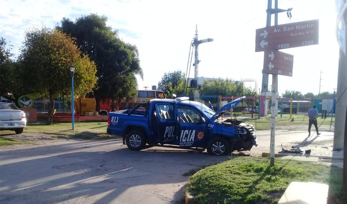 Por una gresca en barrio Granaderos 4 efectivos lesionados y un móvil destruido