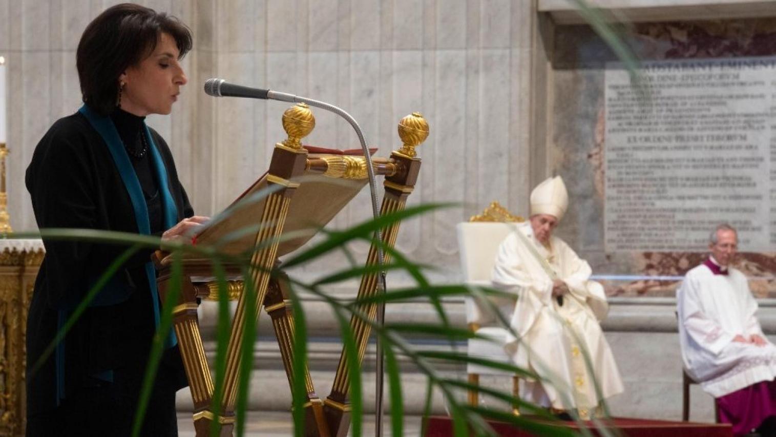 El Papa Francisco permite que las mujeres accedan a cargos ministeriales