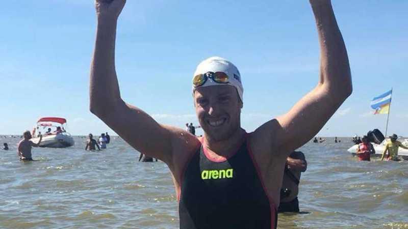 Damián Blaum marcó un nuevo record cruzando a nado el Río de La Plata