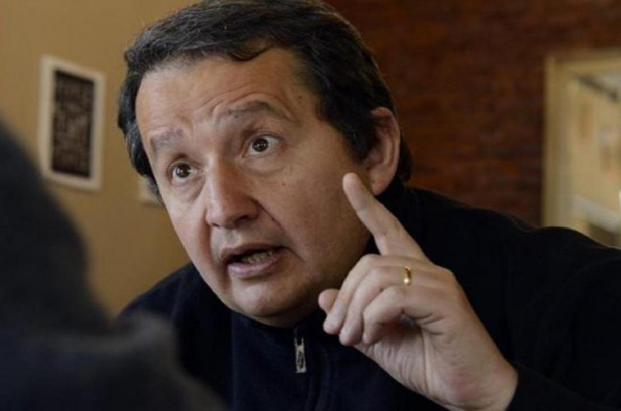 """Carlos Del Frade: """"Es más fácil conseguir armas que trabajo"""""""