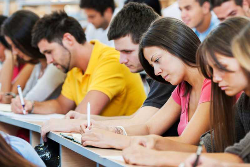 El municipio dictará cursos de formación laboral a jóvenes que retomaron los estudios