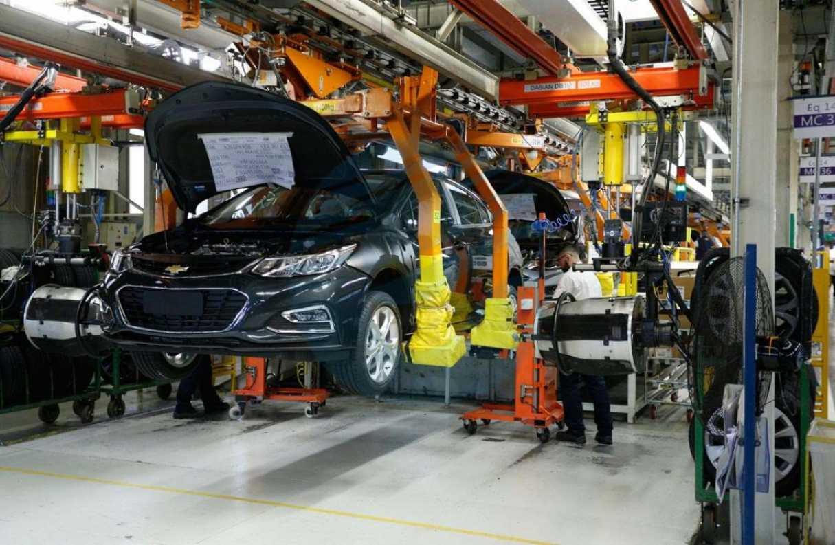 Empleados de General Motors denuncian aprietes para provocar retiros voluntarios