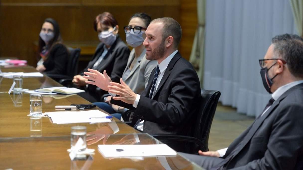Guzmán anunció el envío al Congreso de dos proyectos para impulsar la Construcción y promover el crédito hipotecario
