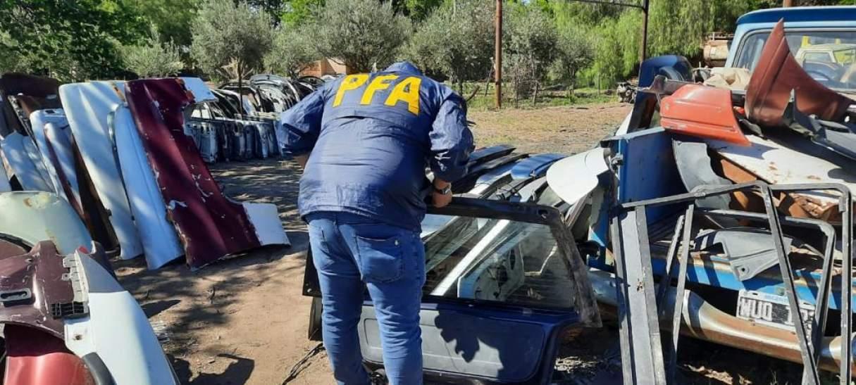 Desarticularon una organización criminal de autopartes robadas