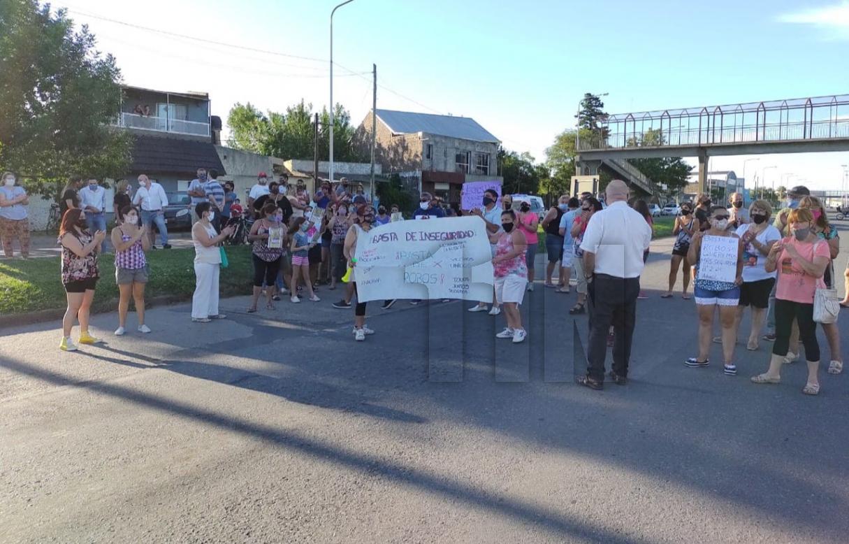 Vecinos de barrio Bouchard reclamaron por seguridad