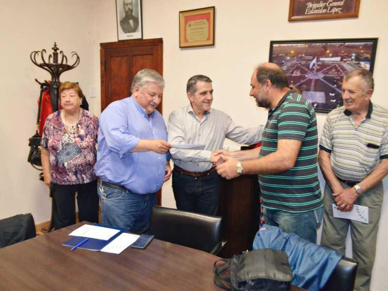 Instituciones de Timbúes recibieron aportes del Senador Traferri