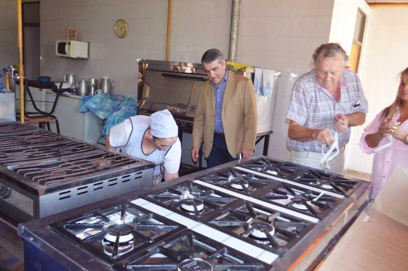 La Agrotécnica de Ricardone recibió una cocina industrial de manos de Traferri
