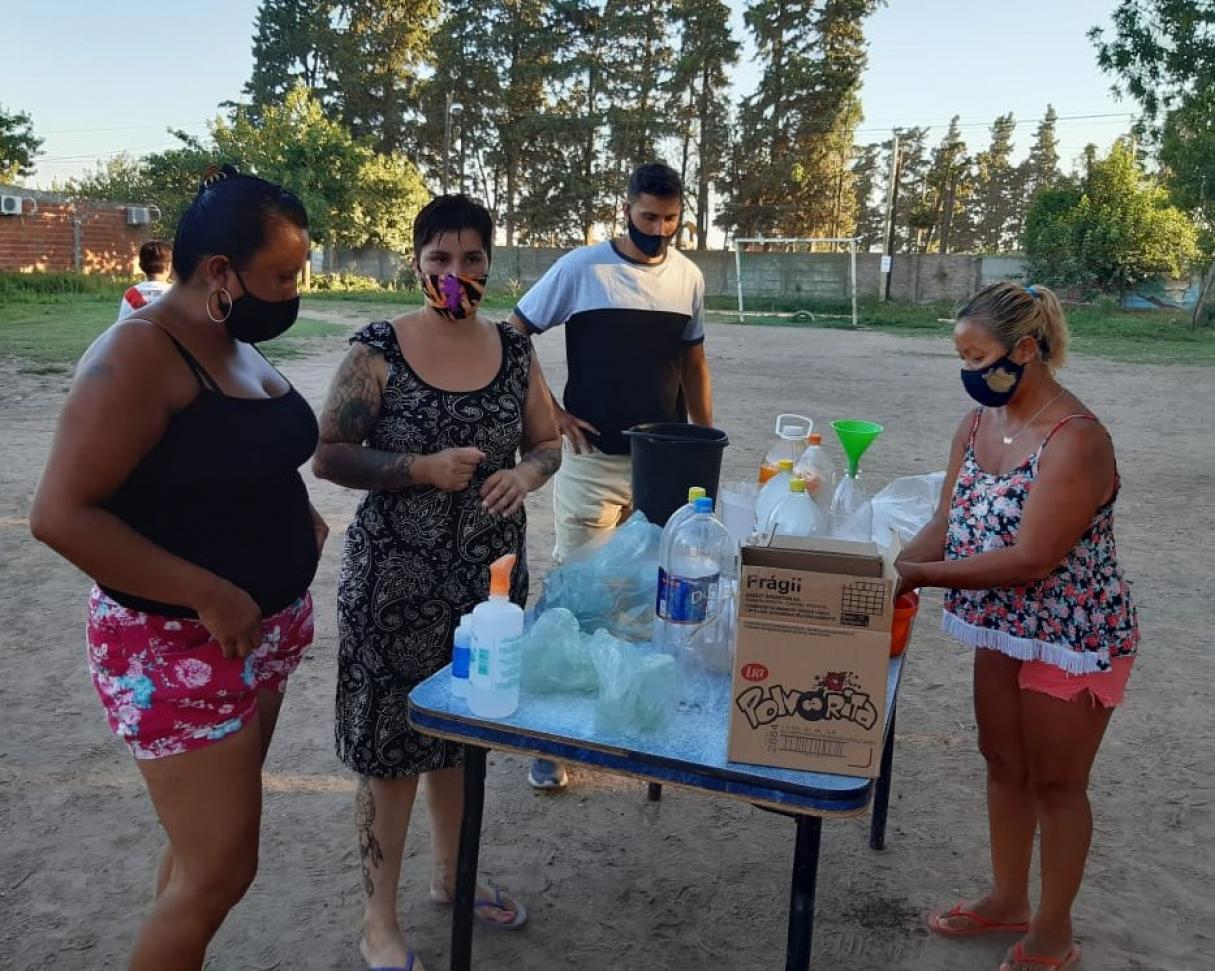 El Merendero Móvil recorrió barrios de San Lorenzo y Fray Luis Beltrán