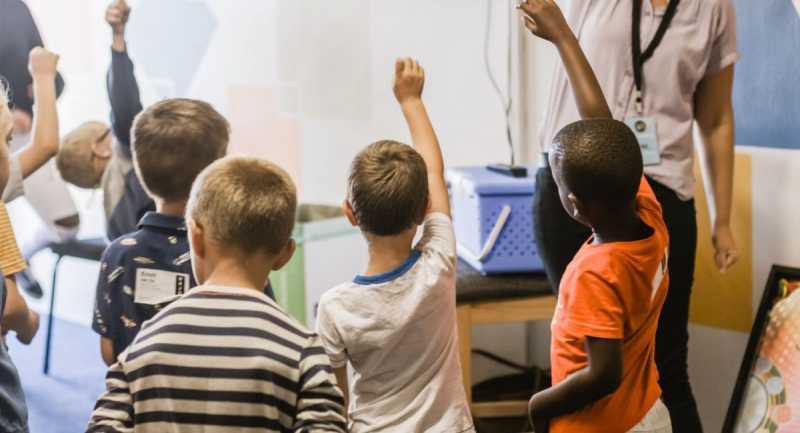 Mediador Escolar: Traferri insiste con pensar en la comunidad escolar