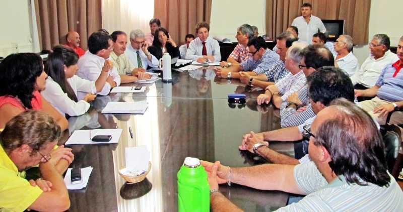 El gobierno provincial convocó a paritarias para el próximo jueves
