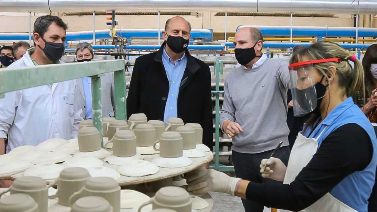 Perotti visitó Faiart la fábrica de porcelana ex Verbano