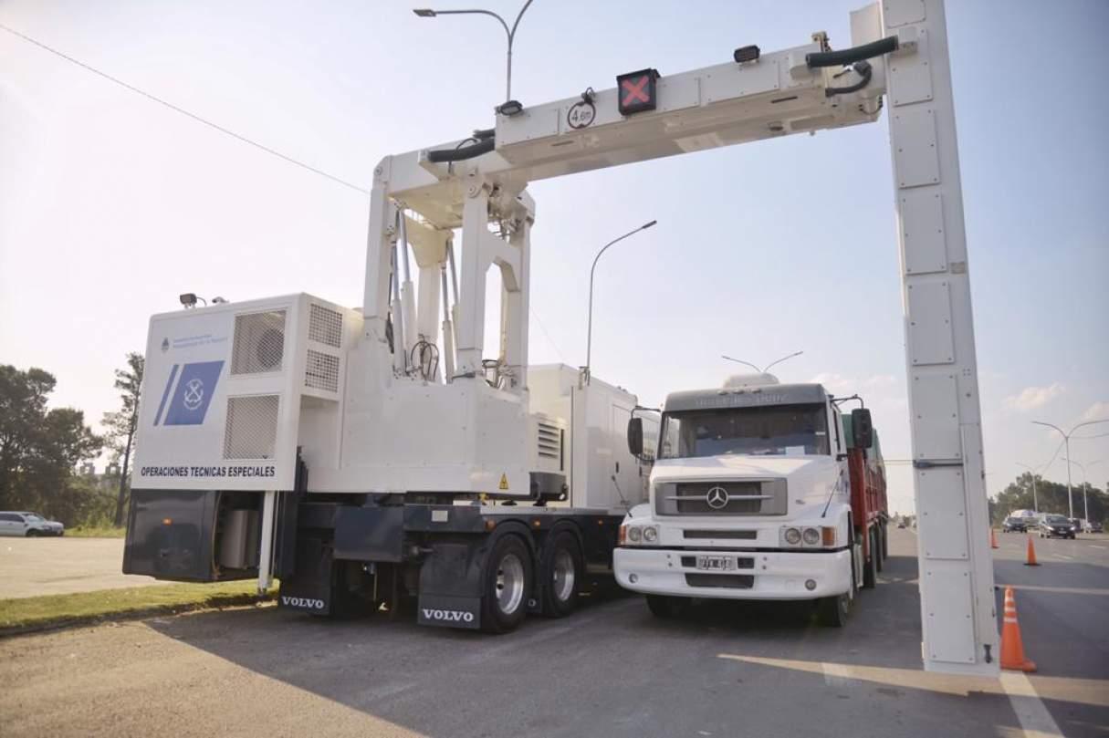 Rosario: Realizaron controles en la carga de camiones con escáneres móviles